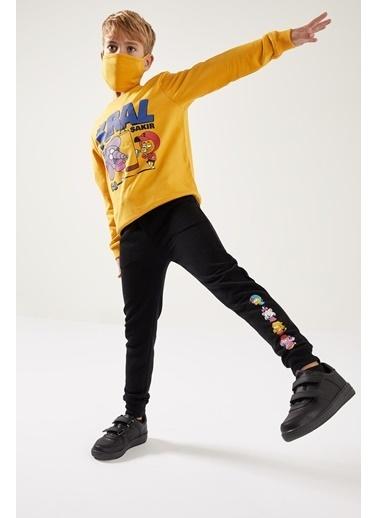 DeFacto Erkek Çocuk Kral Şakir Lisanslı Sweathirt ve Maskeli Takım Sarı
